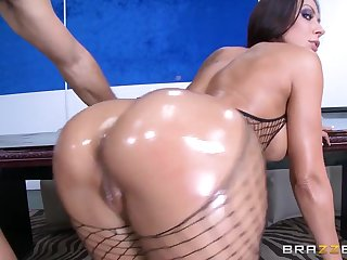 Brazzers - Rachel Starr Shows off her..