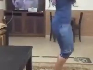 Sexy Arabic girls dansing