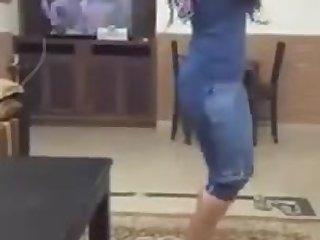 Sexy Arabic girls dansing