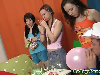 Euro college teens starting up a orgy..
