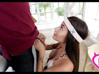 Teen Dressed As Pocahontas Gets Fucked..