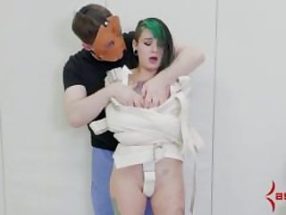 teen punished by doctor