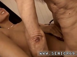 Soft cock blowjob Dokter Petra is..